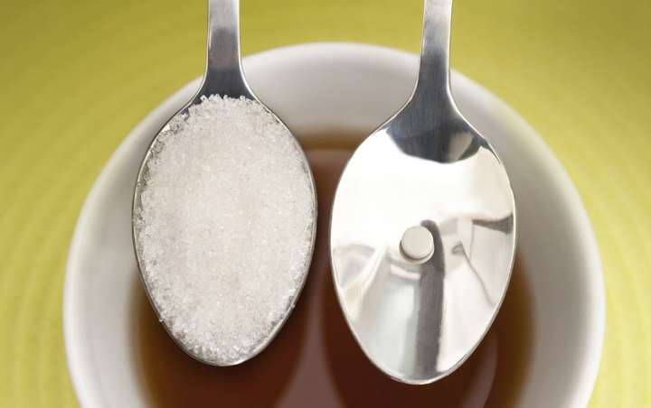 sugar-or-sweetener-e1442873098273